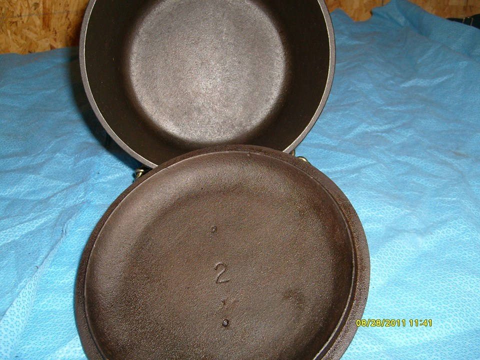 (2) BSR 2 quart sauce pot, Heat ring, with loop handle and screw pattern in bottom 02