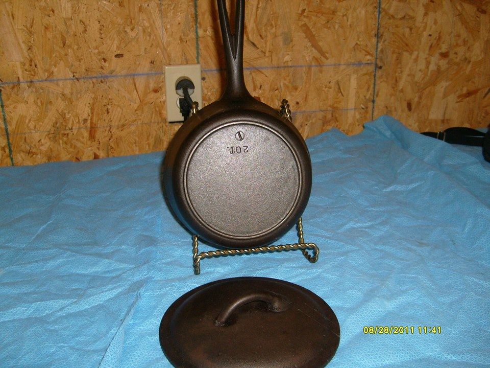 (2) BSR 2 quart sauce pot, Heat ring, with loop handle and screw pattern in bottom 04
