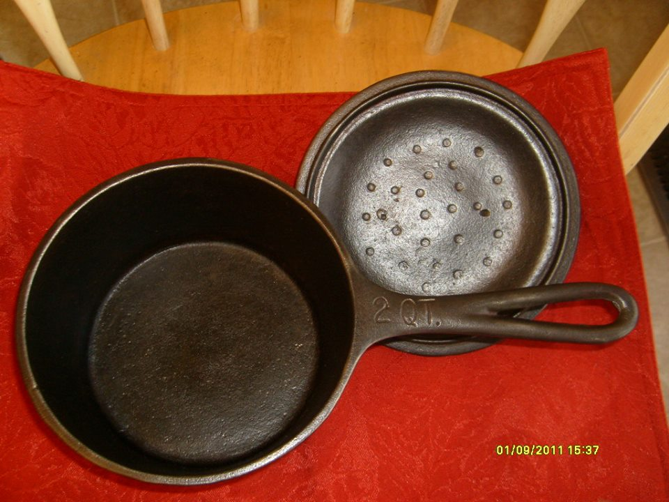 (7) BSR Red Mt 2 qt sauce pan, loop handle, heat ring X on bottom 02