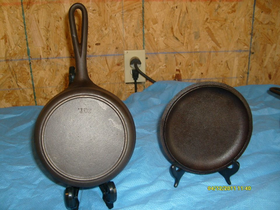 2 QT saucepan with tab handle cutaway notch 05