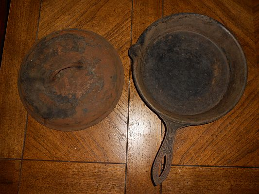 19th century cast iron pan with Griswold lid (front)